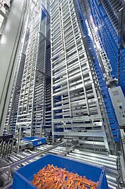 High-bay storage in an automated logistics centre